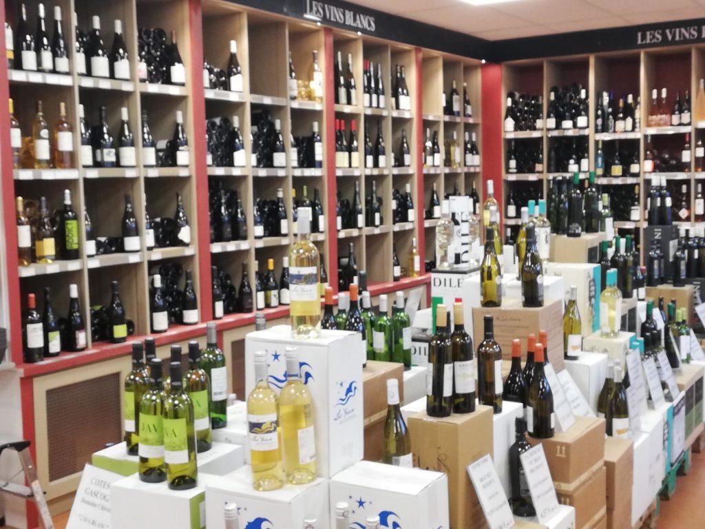 Une-large-gamme-de-vins-blancs-Caviste-Sommelier-ViniGusto-Lorient-Morbihan